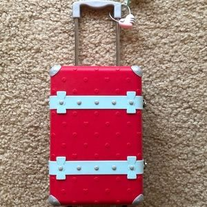 *RETIRED* Grace's Suitcase and Accessories